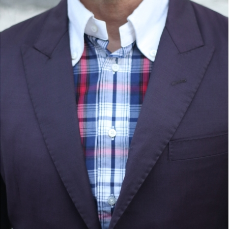 1 button suit peak lapel pickstitch closeup